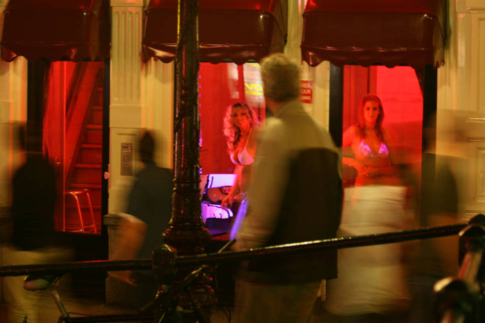 Red Light District in Amsterdam - Best Season