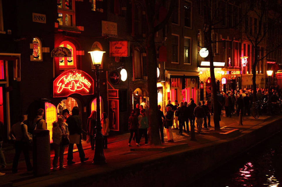 Red Light District in Amsterdam - Best Time