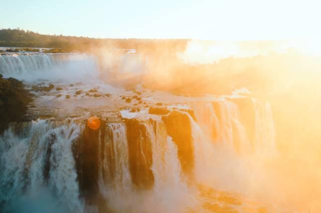 Best time for Iguazu Falls in Argentina