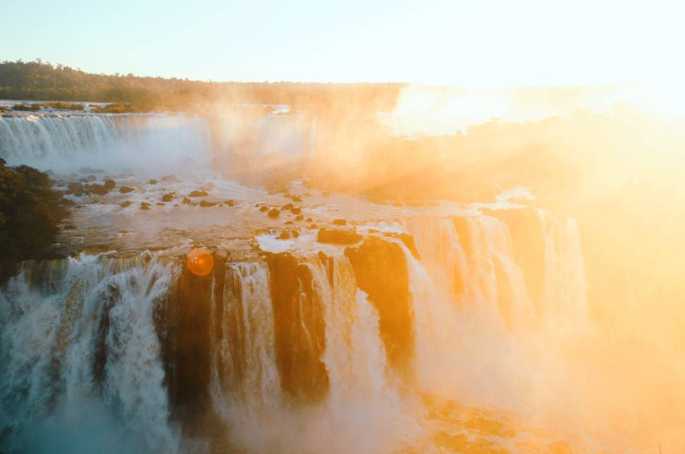 Best time for Iguazu Falls in Argentina