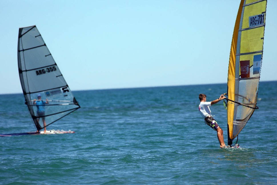 Best time for Windsurfing in Argentina