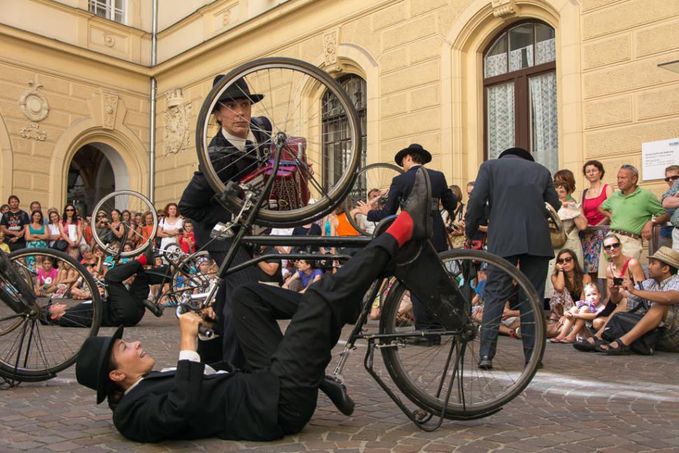La Strada Street Theatre Festival in Austria - Best Season