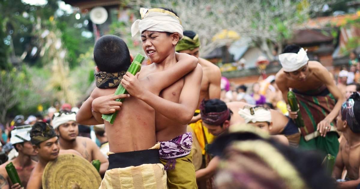 Makare-Kare or Pandan War in Bali - Best Time
