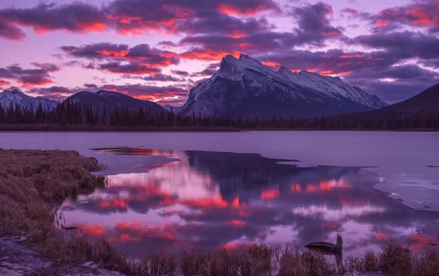 Vermilion Lakes Sunrise & Sunset in Banff & Jasper National Parks - Best Time