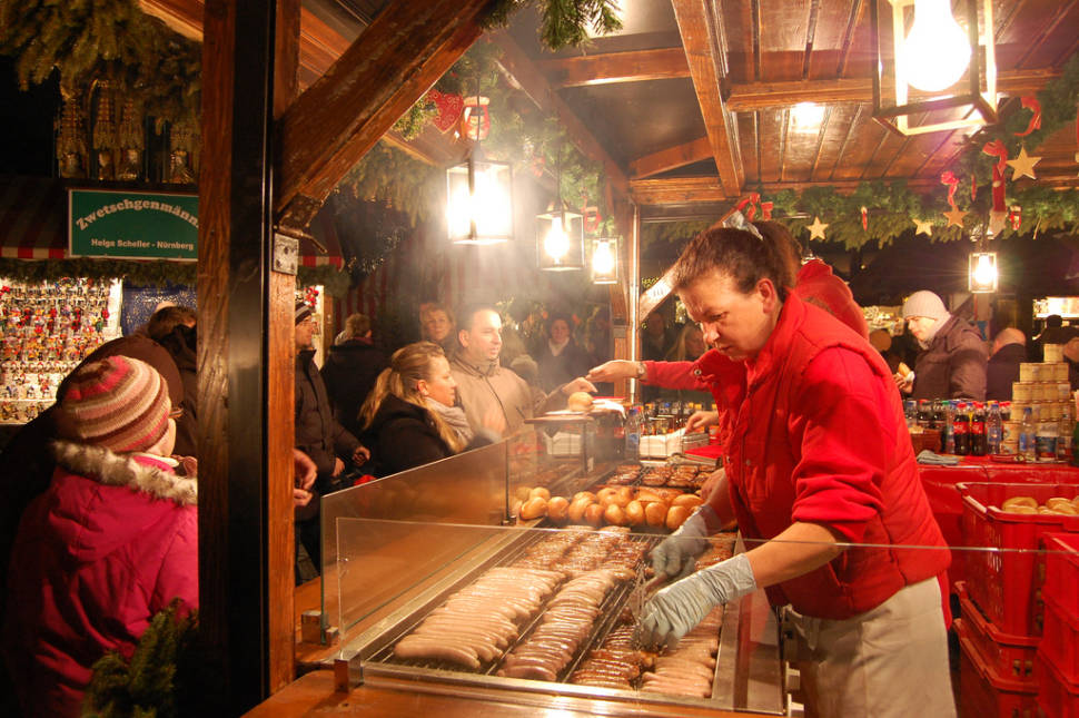 Nürnberger Rostbratwurst stall at the Christmas market