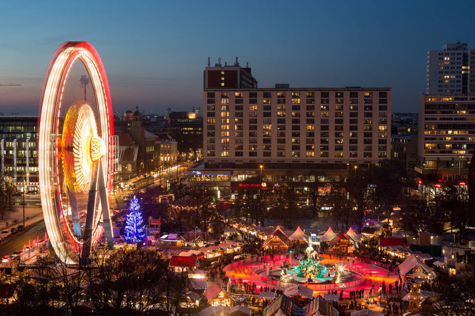 Christmas Market in front of Berlin City Hall