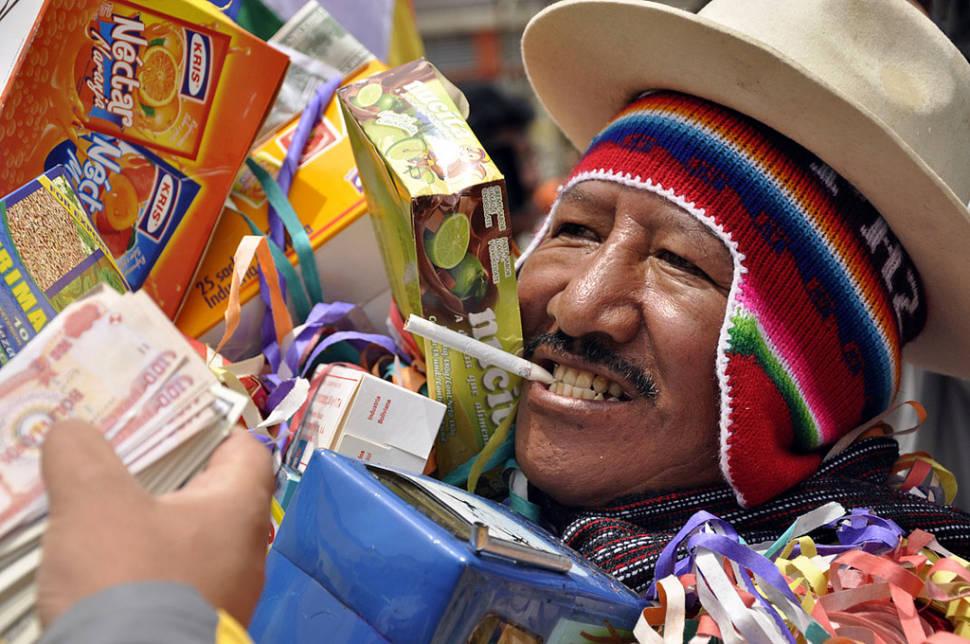 Best time for Feria de las Alasitas in Bolivia
