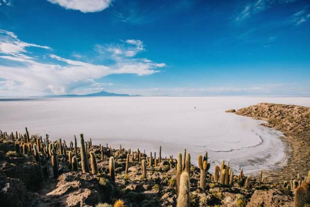 Best time for Walk the Salar de Uyuni Salt Flats in Bolivia