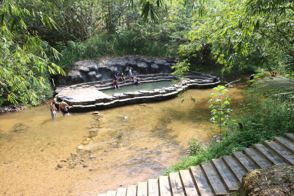 Hot springs near the Annah Rais longhouse