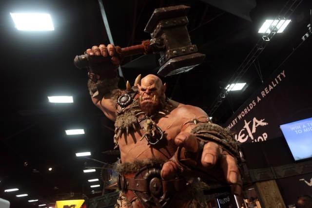 Warcraft statue