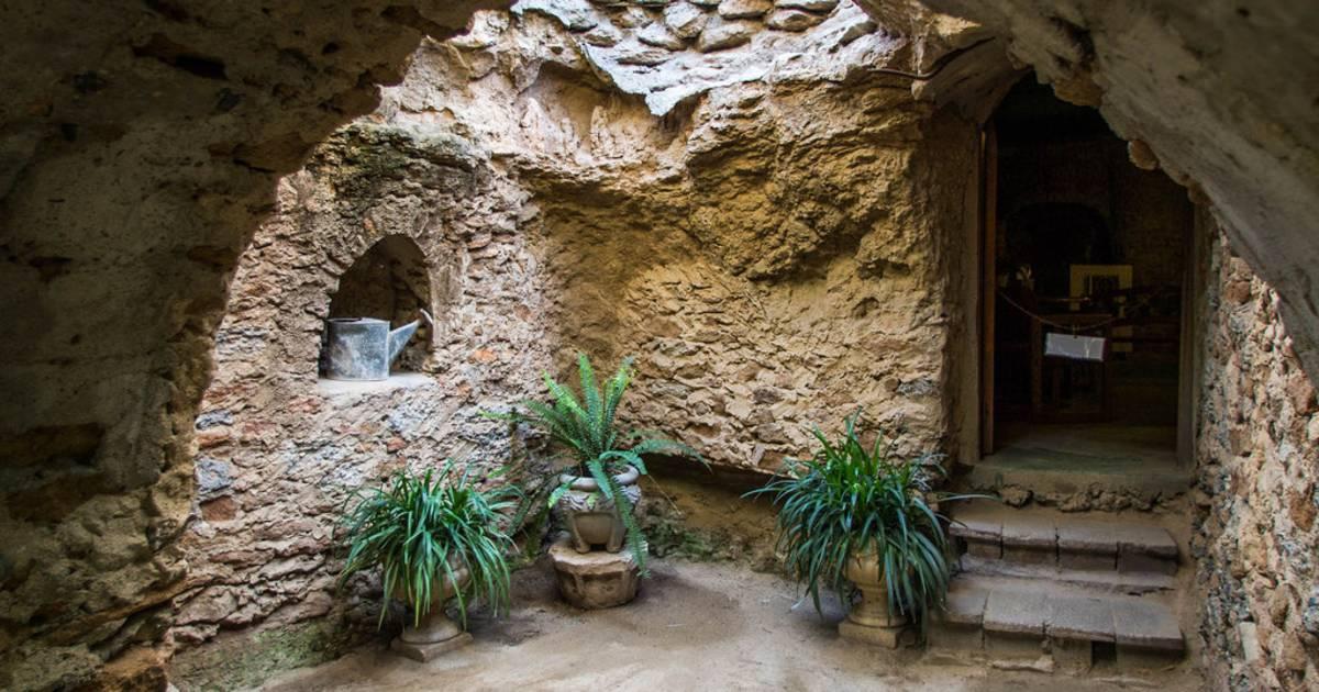Forestiere Underground Gardens in California - Best Time