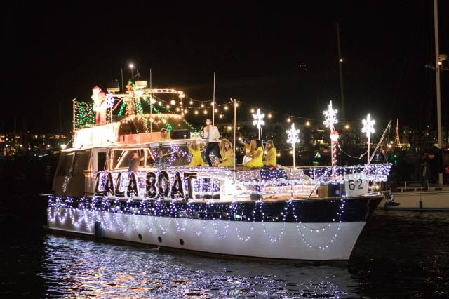 Marina del Rey Holiday Boat Parade in California - Best Season