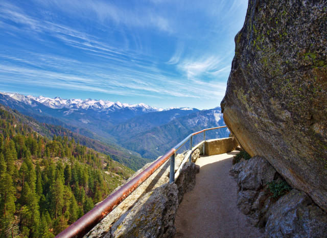 Moro Rock Hike in California - Best Season