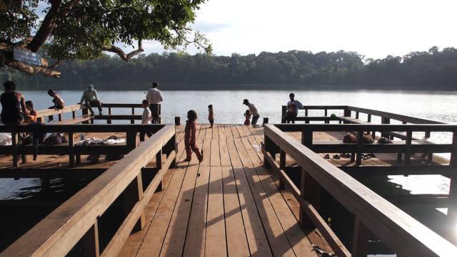Perfect Swim in Yeak Laom Lake in Cambodia - Best Time