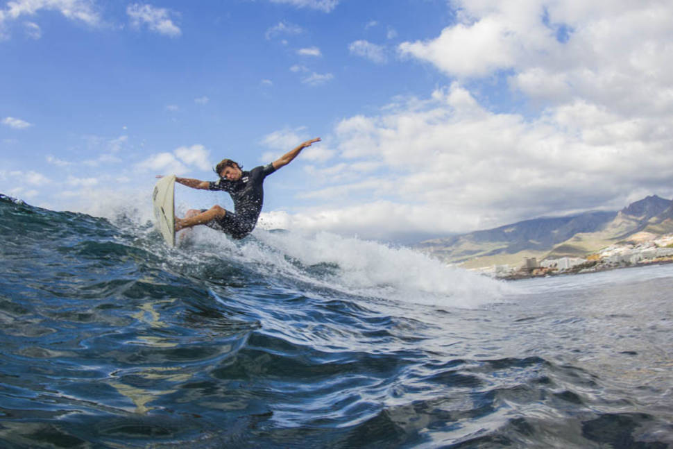 Surfing in Canary Islands - Best Time