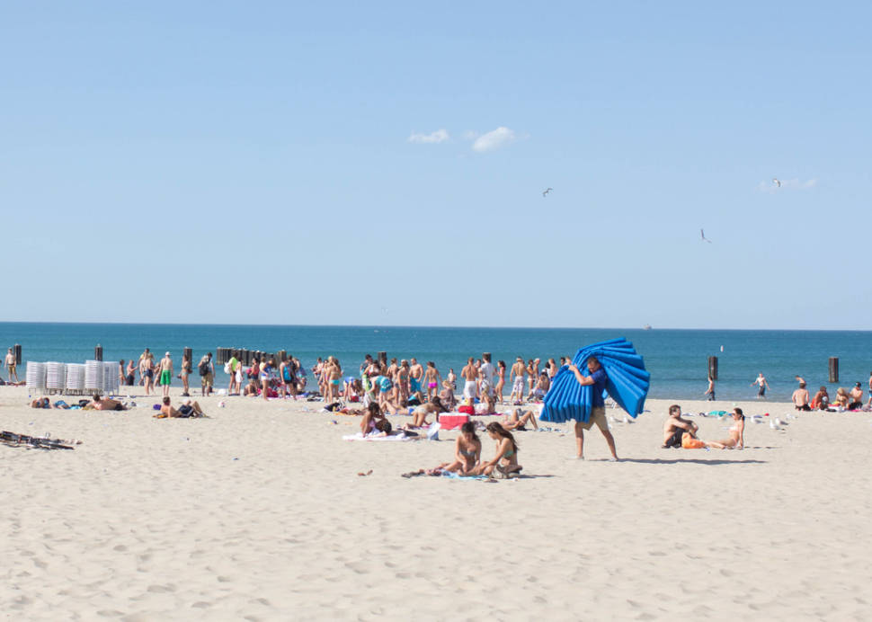 Beach Season in Chicago - Best Time