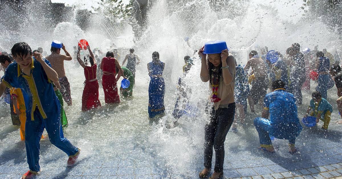 Dai Water Splashing Festival in China - Best Time