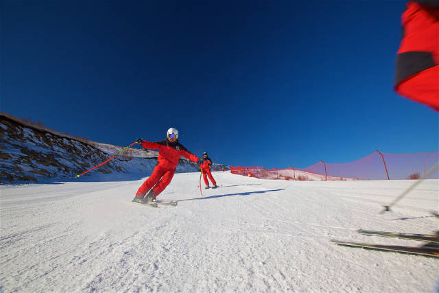 Skiing and Snowboarding in China - Best Season