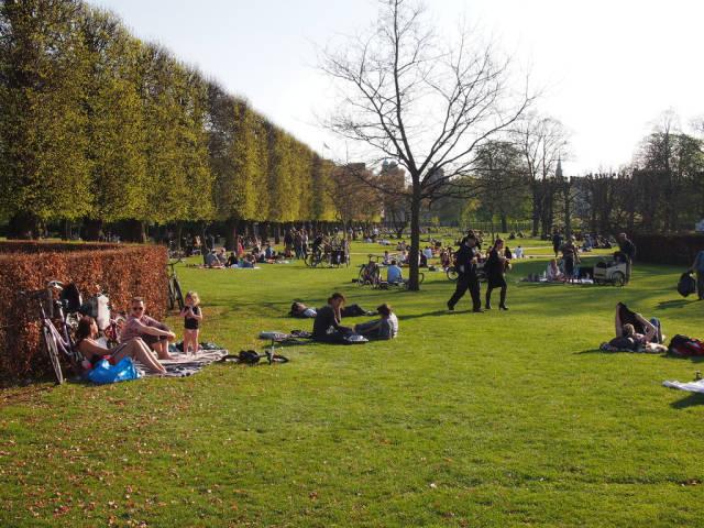 Picnic in the Kongens Have in Copenhagen - Best Season