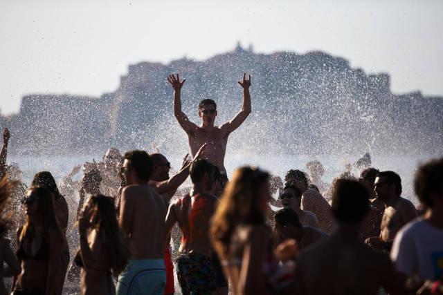Best time for Sun and Fun: Beach Season in Corsica