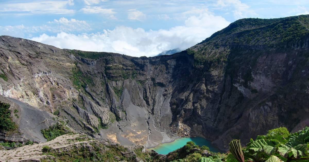 Irazu Volcano in Costa Rica - Best Time