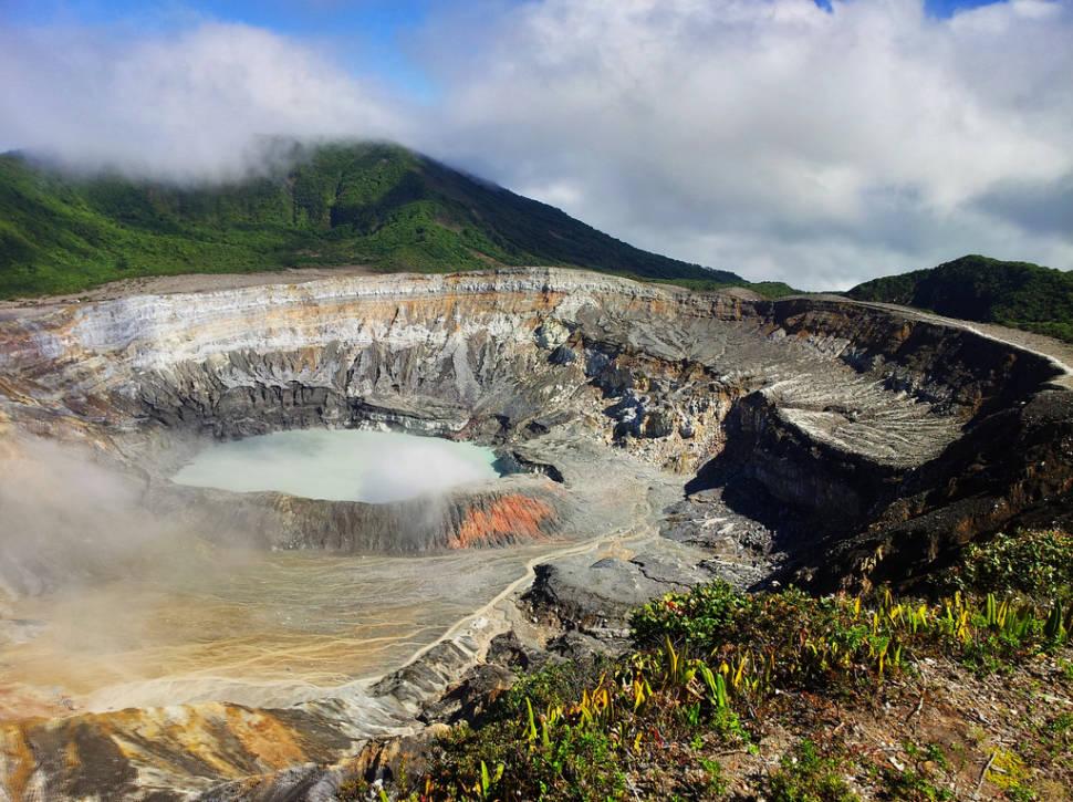 Poas Volcano in Costa Rica - Best Season