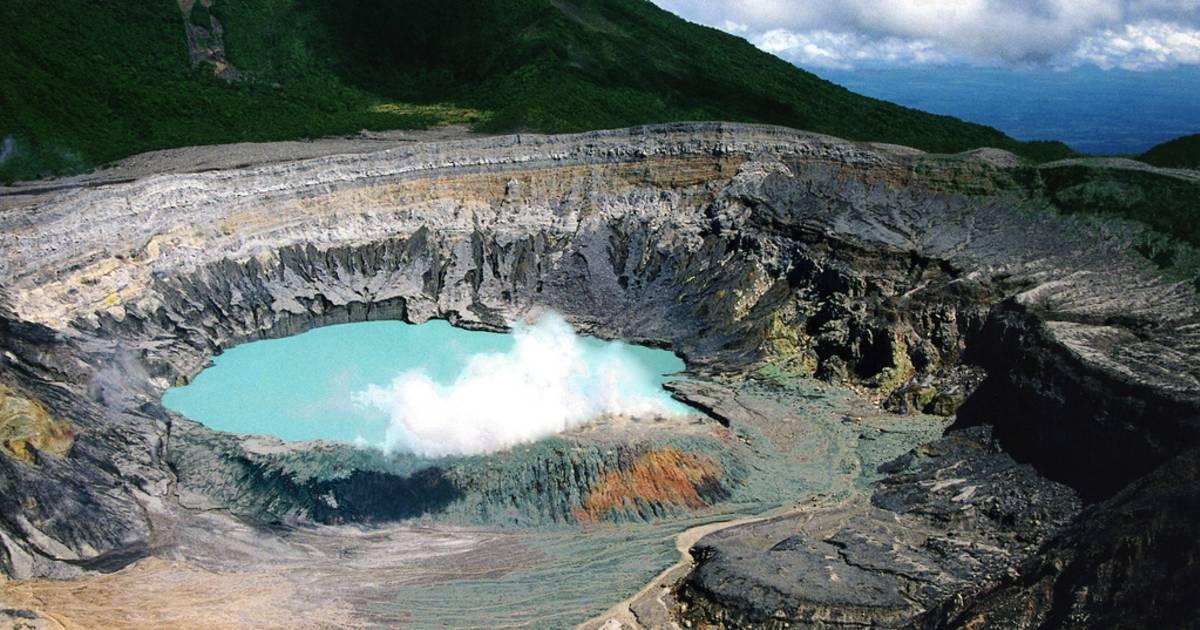 Poas Volcano in Costa Rica - Best Time