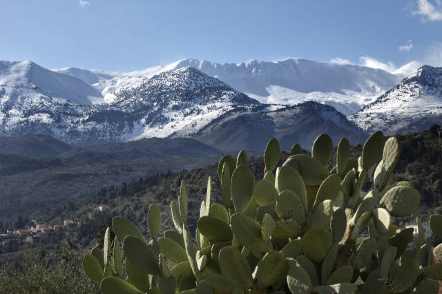 Lefka Ori Hike (The White Mountains) in Crete - Best Time