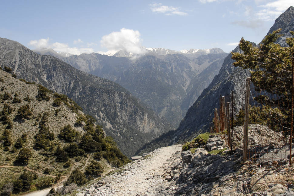 Hiking in Samaria Gorge National Park in Crete - Best Time