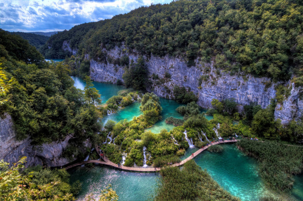 Best time for Autumnal Plitvice Lakes in Croatia