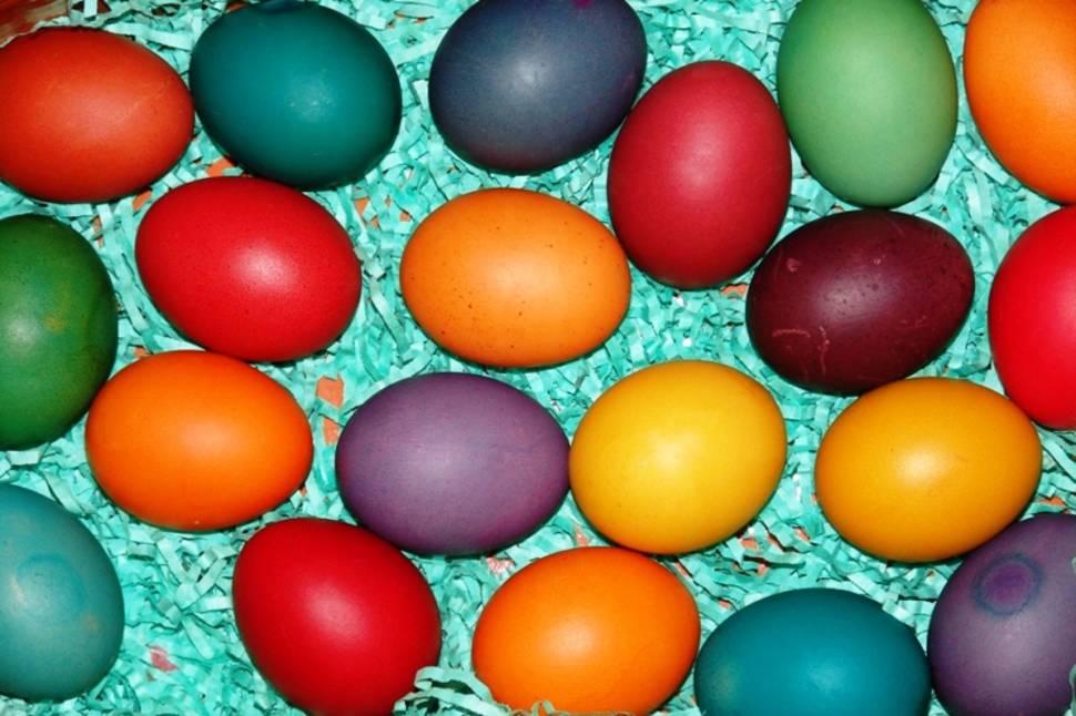 Painting Pisanica or Easter Egg in Croatia - Best Season