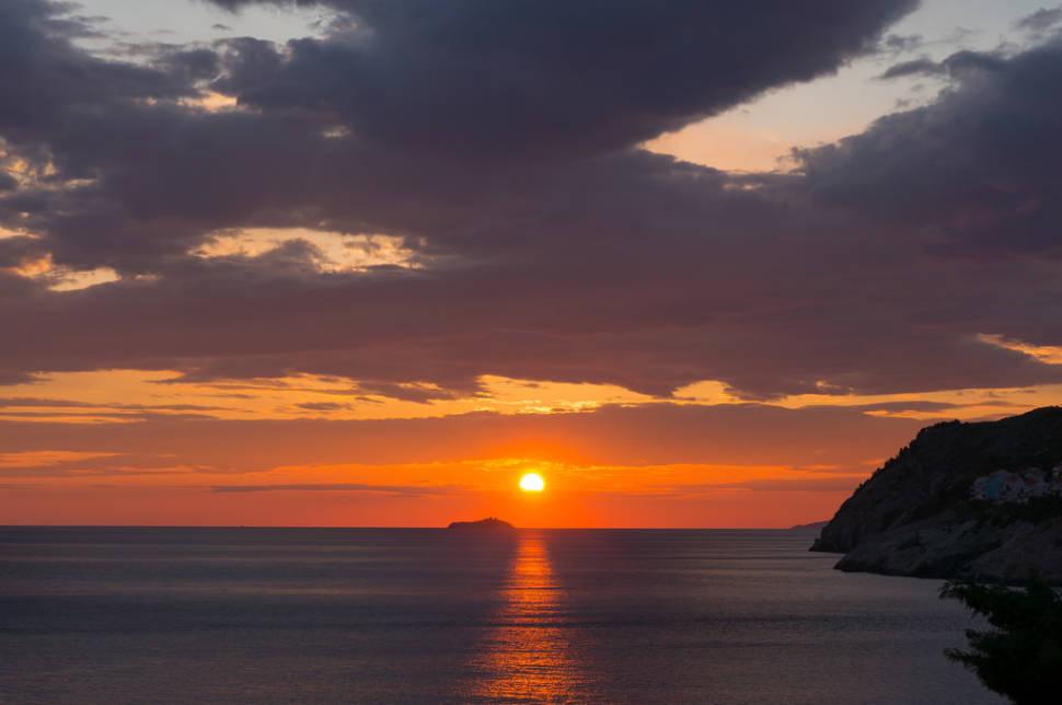 The Best Sunsets in Croatia - Best Season