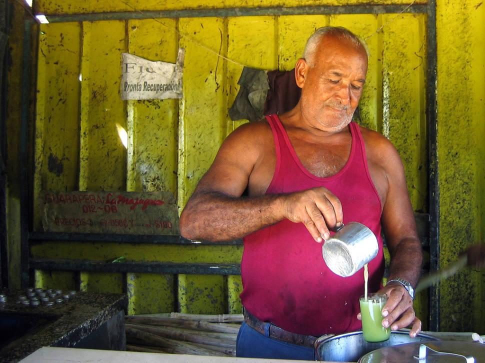 Sugar cane juiceman