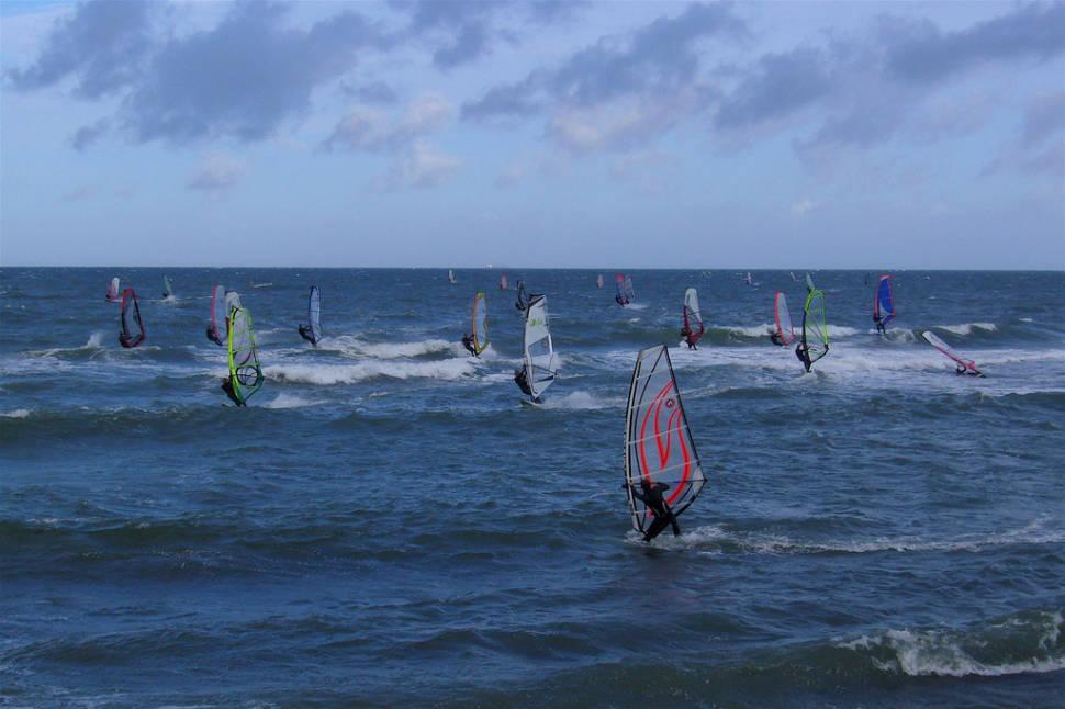 Best time for Kitesurfing and Windsurfing in Denmark