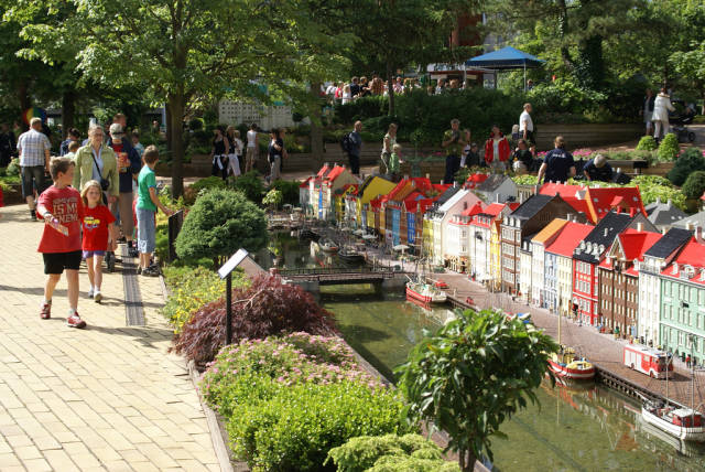 Best time to see Legoland in Denmark