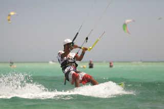 Kitesurfing in El Gouna