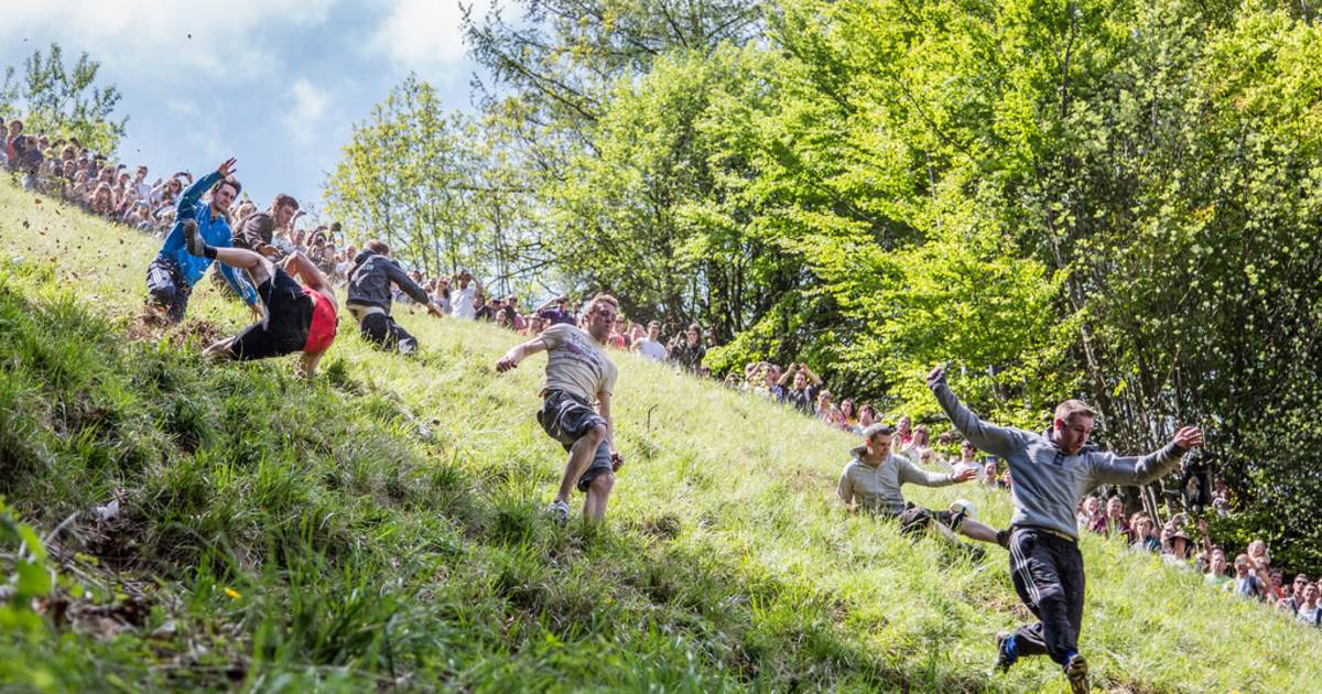 Cooper's Hill Cheese-Rolling and Wake in England - Best Time