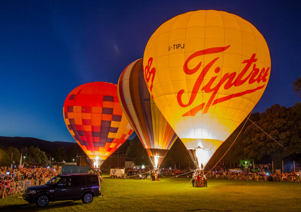 Oswestry Balloon Festival in England - Best Time