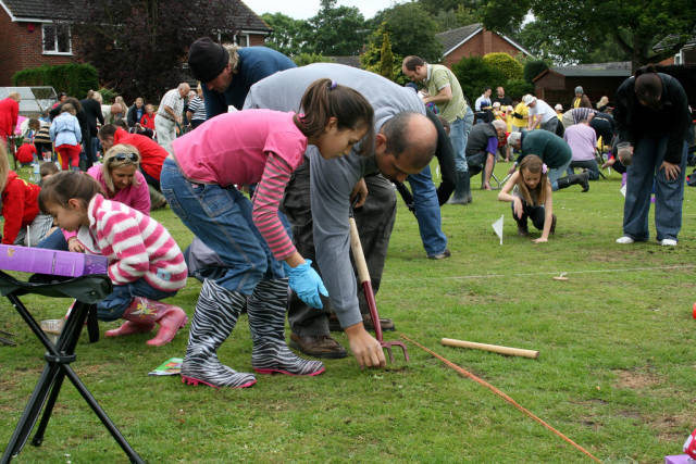 World Worm Charming Championships in England - Best Time