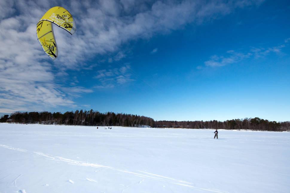 Snowkiting (Kiteskiing) in Finland - Best Season