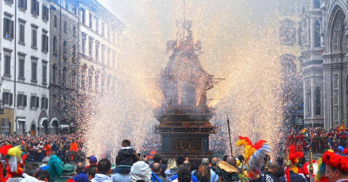 Easter Explosion of the Cart in Florence - Best Time