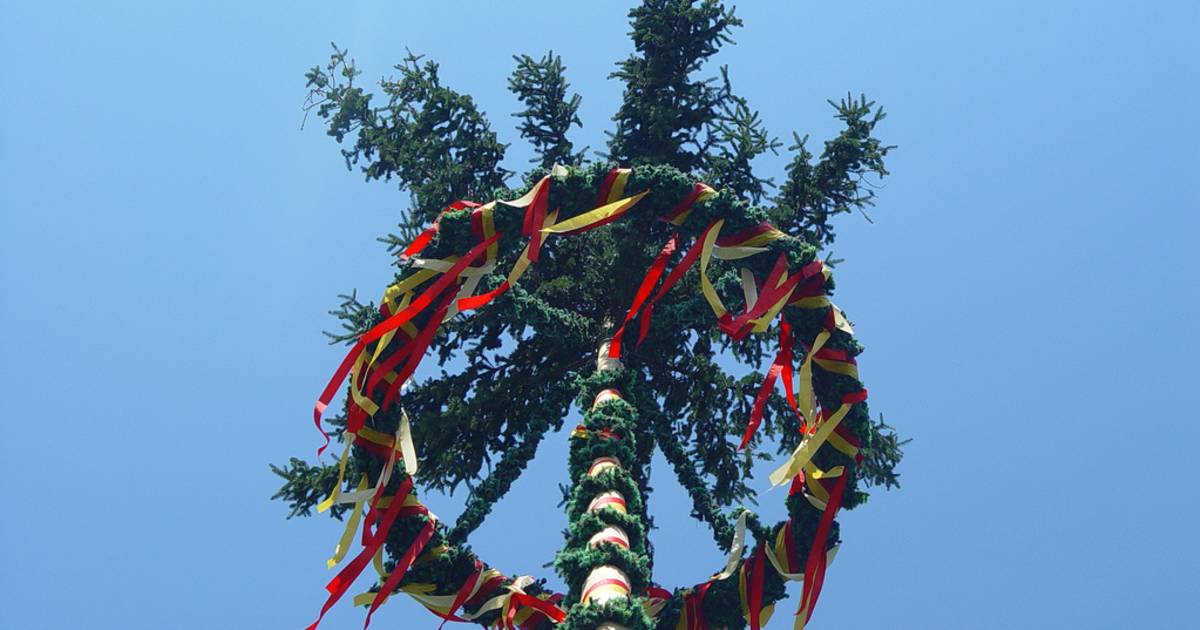 Maypole (Maibaum) in Germany - Best Time