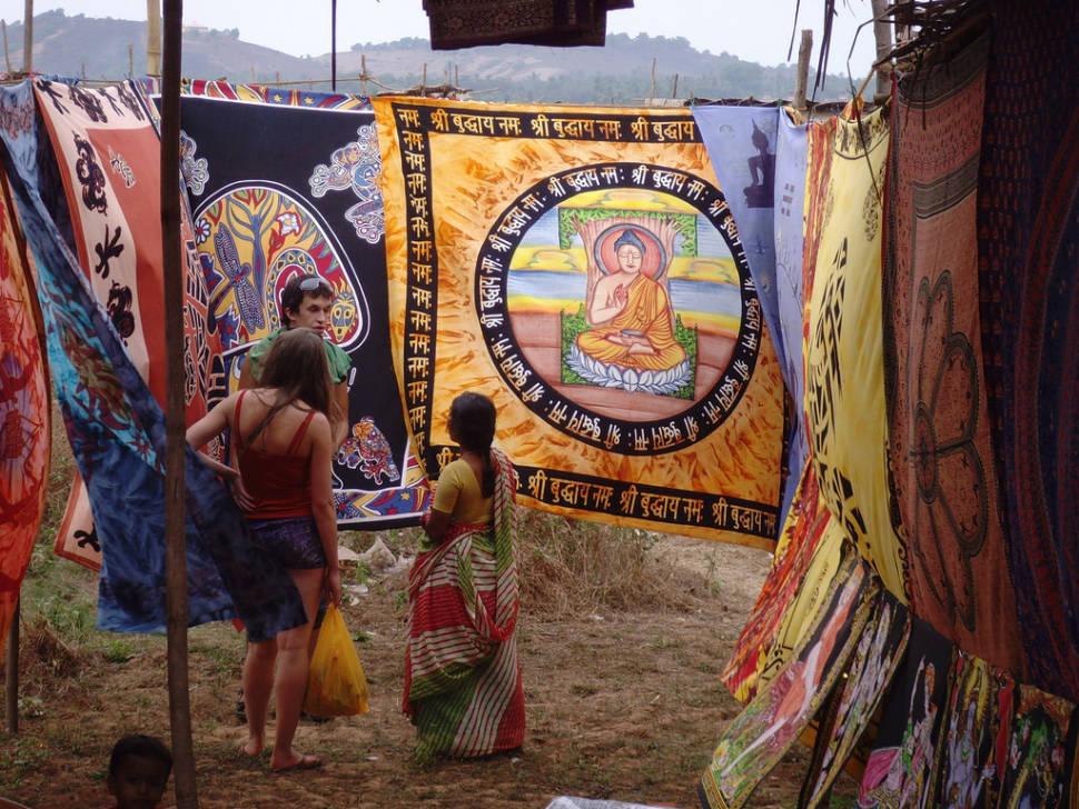 Anjuna Flea Market in Goa - Best Time