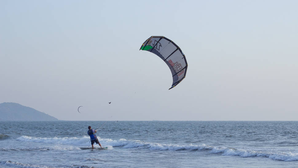 Kitesurfing, Morjim Beach