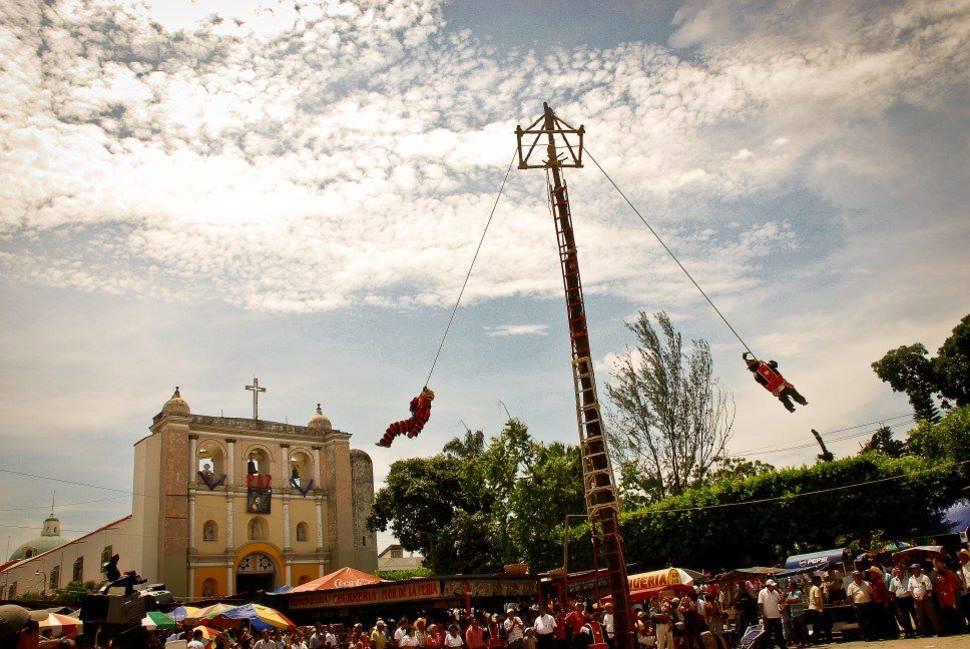 Mayan Pole Flyer Dancing or El Baile del Palo Volador in Guatemala - Best Time