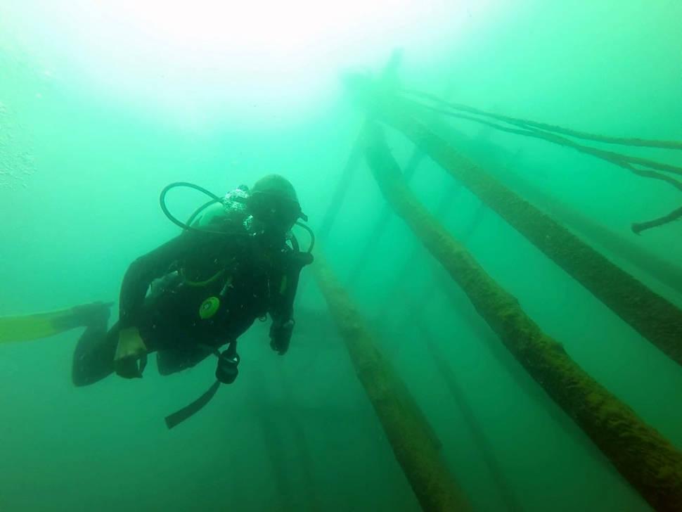 Scuba diving in Lake Atitlán