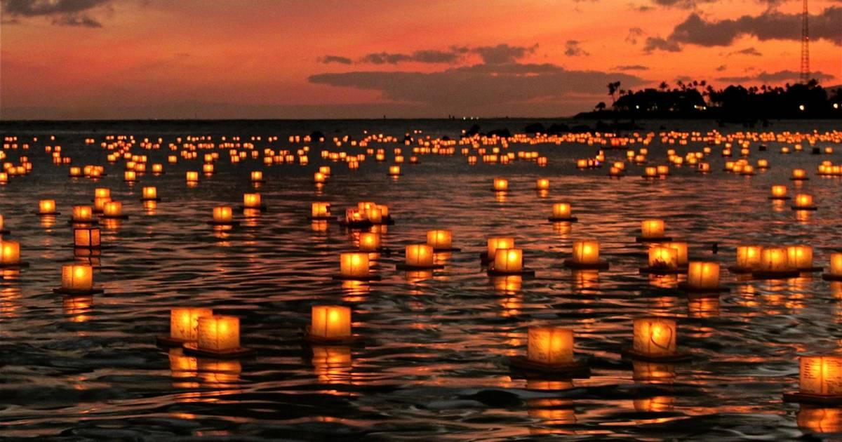 Lantern Floating Hawaii in Hawaii - Best Time