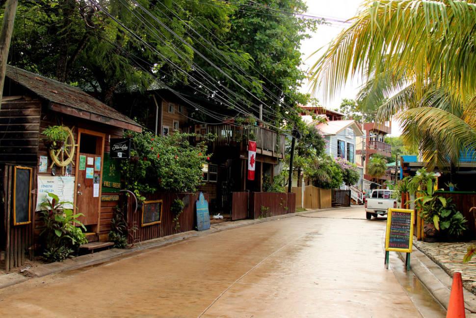 Bay Islands' Rainy Season in Honduras - Best Time