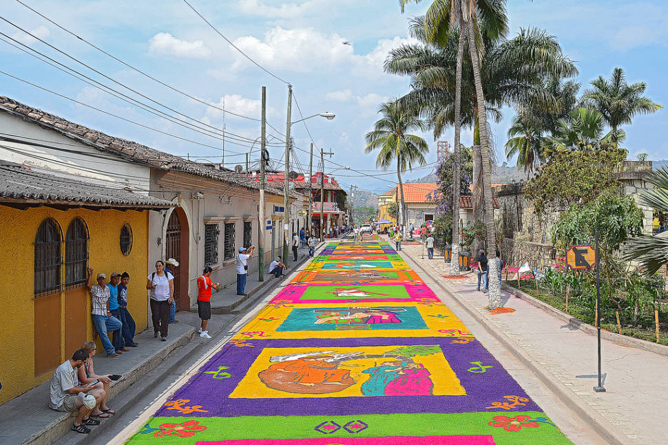 Holy Week and Easter Carpets (Alfombras) in Honduras - Best Time