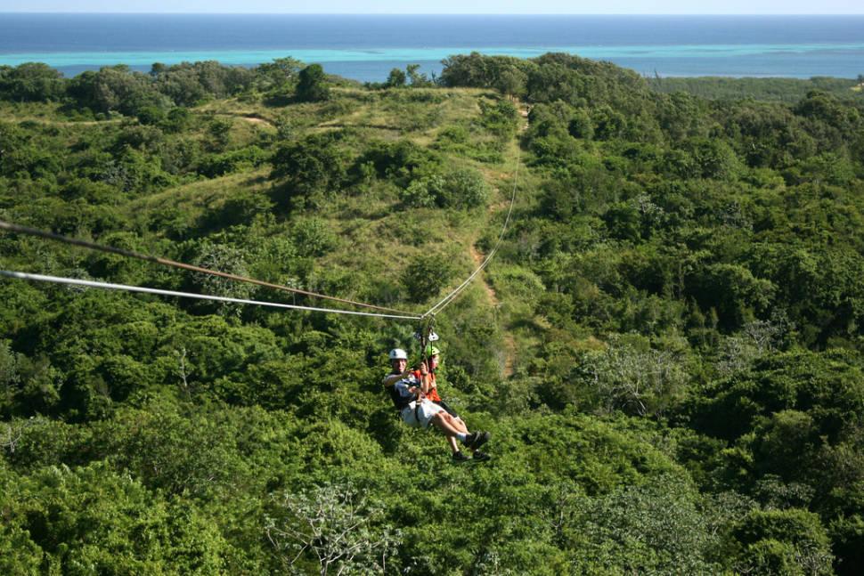 Best time to see Ziplining on Roatán in Honduras